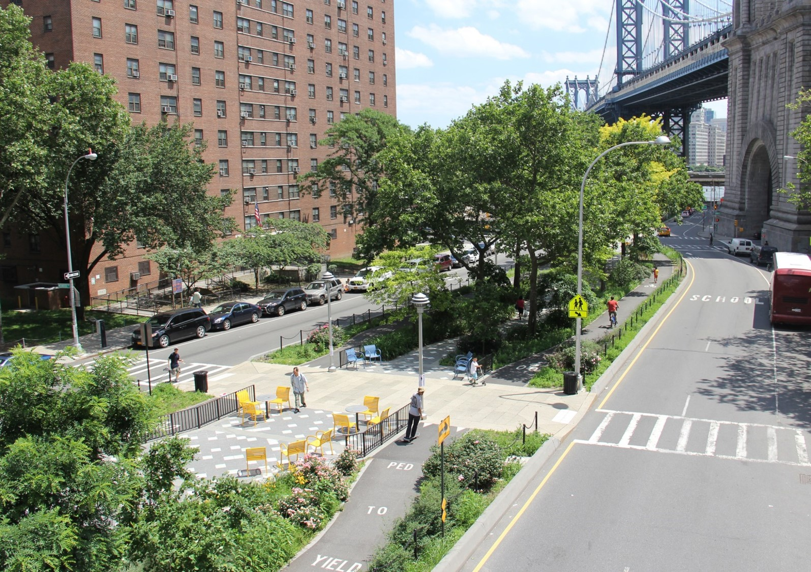 Complete and green street: A street for cars, people, and water